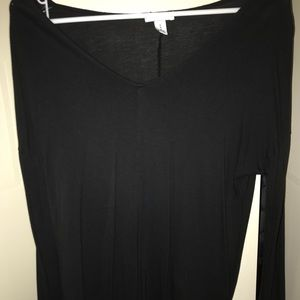 Black v neck shirt